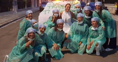 Addio al nubilato di un'infermiera: VIDEO