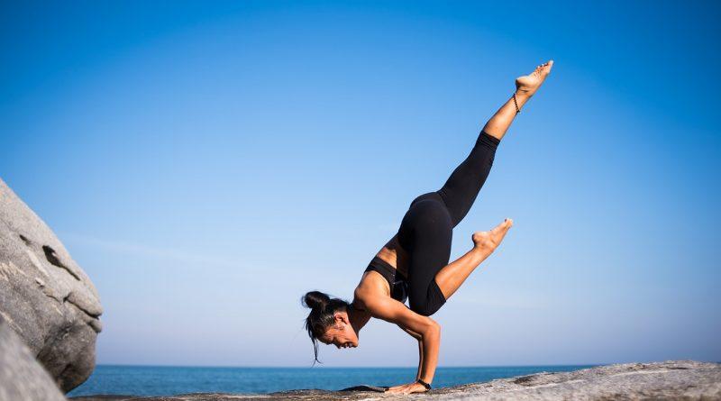 Praticare Yoga: diverse tipologie, i châkra, le posizioni (Asana) 1