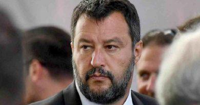 Matteo Salvini cancella l'emendamento salva dirigenti, ora la parola al PD