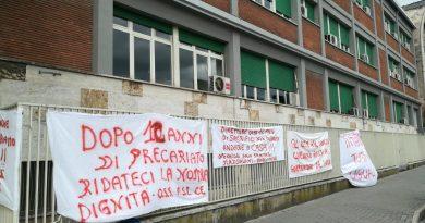 """Aorn Caserta, nuova protesta degli oss precari: """"Pronti a gesti estremi"""""""