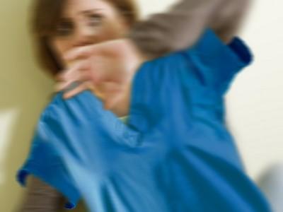 Alessandria, infermiera aggredita alle spalle con un carrello di metallo