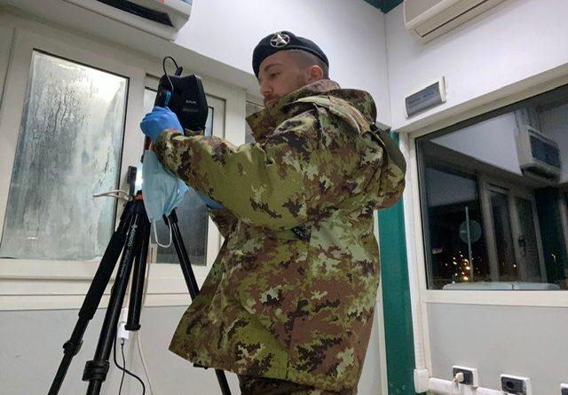 Infermieri Militari volontari pontini ricevuti e premiati dal Sindaco Damiano Coletta per l'impegno al contrasto della pandemia da COVID-19 1
