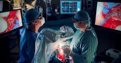Niguarda: Neurochirurgia in alta definizione con l'esoscopio 3D in 4K