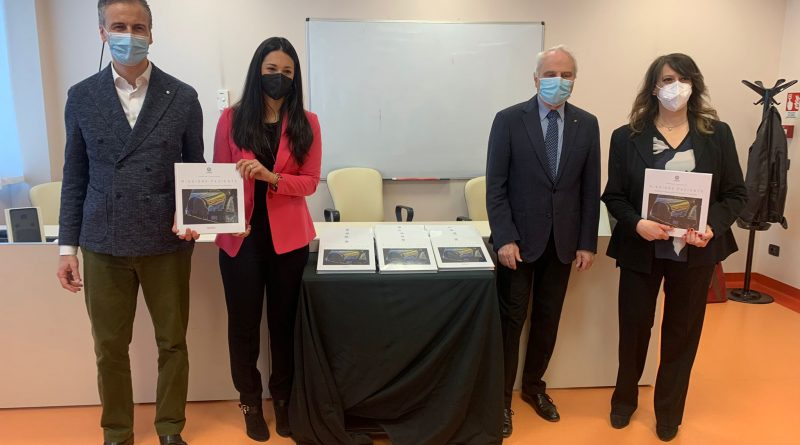 """""""Missione Paziente"""": Consegnato Il Libro Al Presidente Fermi 3"""