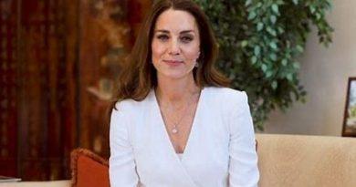 "Nursing Now, Kate Middleton ringrazia gli infermieri: ""Svolgete un lavoro incredibile"""